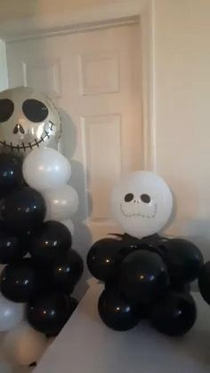 Balloon Centerpieces, Balloon Columns, Halloween Party Decor, Sweet Sixteen, Party Planning, Balloons, How To Memorize Things, Party Ideas, Baby Shower