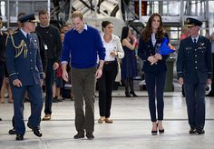Prince William and Kate Middleton visit air force personnel in New Zealand - hellomagazine.com
