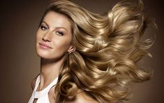 Read - Brazilian supermodel Gisele Bundchen is the new face of Chanel No. 5 on Luxurylaunches Gisele Bundchen, Banana Hair Mask, Banana For Hair, Short Hairstyles 2015, Cool Hairstyles, Hair Styles 2014, Short Hair Styles, Short Hair Long Bangs, Chanel N5