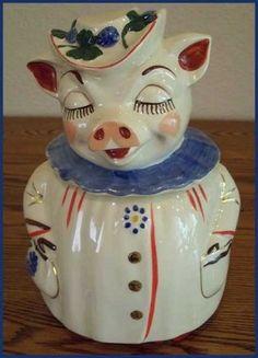 Vintage Space, Retro Vintage, Antique Cookie Jars, Pig Cookies, Shawnee Pottery, Pig Art, Vintage Cookies, Teapots, Pigs