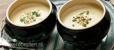 witlofsoep Tasty Dishes, Soups And Stews, Cheeseburger Chowder, Soup Recipes, Tapas, Veggies, Pudding, Vegan, Dinner