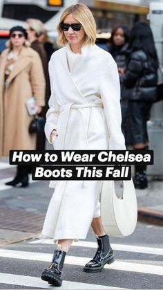 Trendy Fall Outfits, Casual Outfits, French Girl Style, My Style, Over 50 Womens Fashion, Fashion Videos, White Boots, Clothes Horse, Timeless Fashion