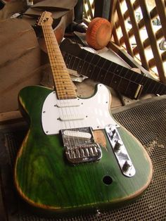 A custom build project with a twist. After crafting a Rick Parffit replica guitar for Statoz Quo (a very good Status Quo tribute band. Check out their facebook here) they just had to have the matching Francis Rossi edition. So there we were faced with daunting task of creating another replica. I say daunting because …
