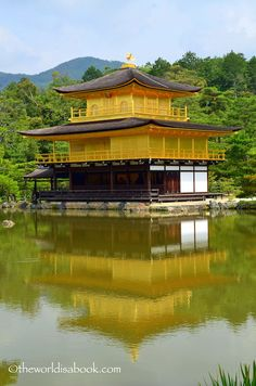 Strolling through the Golden Pavilion or Kinkakuji in Kyoto with kids - Japan with kids