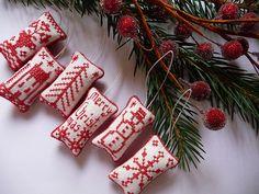 Primitive Redwork Patterns | mini redwork Christmas ornaments | Flickr - Photo Sharing!