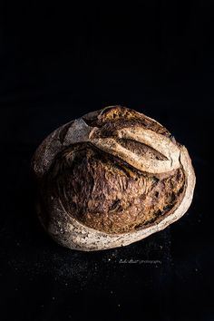 Coffee sourdough bread with black hawaiian salt - Pan de café y sal negra de Hawaii - Bake-Street.com