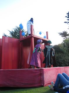 Miracle Theatre Co putting on a play in Tresco Abbey Gardens