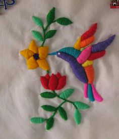 Colibrí - Porter Tutorial and Ideas Hand Embroidery Flowers, Hand Work Embroidery, Creative Embroidery, Hand Embroidery Stitches, Crewel Embroidery, Hand Embroidery Designs, Ribbon Embroidery, Cross Stitch Embroidery, Machine Embroidery