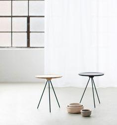 Interior * Minimalism by LEUCHTEND GRAU +++ Full Story: http://www.leuchtend-grau.de/2014/10/Tische-Nordic-Design.html