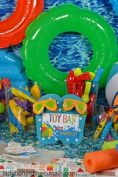 What is a Semi Homemade Splish Splash Pool Party? All the desserts are semi homemade! Now you can throw a stress free fun summer pool party! Pool Party Kids, Summer Pool Party, Water Party, Luau Party, Beach Party, First Birthday Parties, Boy Birthday, First Birthdays, Birthday Ideas