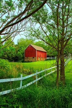 Barn & The Green Green Grass of Home