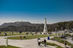 Hollywood Sogn from Griffith Observatory at Griffith Park - Los Angeles, California, USA - Luxury Travel Blog #travelblog #travel #losangeles