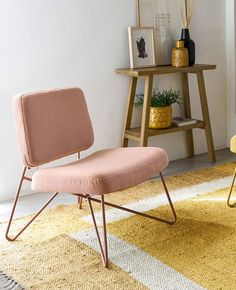 Quel fauteuil rose choisir ? | My Blog Deco Rose Pastel, Blog Deco, Looks Vintage, Floor Chair, Flooring, Furniture, Home Decor, Vintage Modern, Modern Armchair