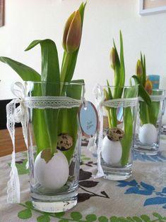 Tischdeko Ostern crafts for kids mason jars Pot Mason, Mason Jar Crafts, Mason Jar Diy, Easter Table Decorations, Decoration Table, Terrarium Diy, Easter Activities, Easter Wreaths, Spring Crafts