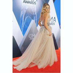 Kelsea Ballerini Beautiful dress