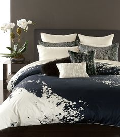 The abstract animal print on this bedding lends a modern touch to any stylish bedroom.