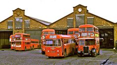 Also identifiable on left: The view immediately after Twickenham Garage was closed and its allocation transferred to Fulwell. Transport Museum, London Transport, Rt Bus, Transport Pictures, Routemaster, Buses And Trains, Diesel Locomotive, Electric Locomotive, Bus Terminal