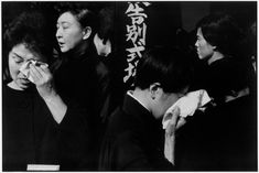 JAPAN. Tokyo. A farewell service for the late actor Danjuro held on November 13th 1965 at the Aoyama Funeral Hall (according to Shinto rites). 1965. Copyright: Henri Cartier-Bresson / Magnum Photos.