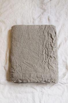 MAKIE: HOUSEWARES linen table cloth 106x63