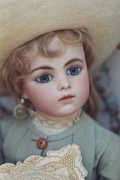 Bébé Bru Jeune - She is so beautiful!!!                                                                                                                                                     More
