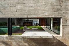 Architect Flavio Castro - Planalto House - São Paulo, Brazil