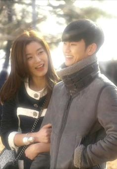 [Drama You Who Came From the Stars / My Love From Another Star ★ 별에서 온 그대 Korean Actresses, Korean Actors, My Love From Another Star, Jun Ji Hyun, Poster Boys, Star K, Korean Dramas, Korean Celebrities, Girl Face