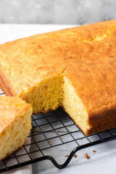 A super moist and delicious corn bread recipe that is made with 2 Jiffy Corn Muffin Mixes and 1 Yellow Cake Mix. This is the EASY cornbread recipe you have been looking for. It is foolproof and will always turn out! Jiffy Cornbread And Cake Mix Recipe, Sweet Jiffy Cornbread, Honey Cornbread, Homemade Cornbread, Cake Mix Recipes, Fried Cornbread, Cornbread With Corn, Cornbread Casserole, Dip Recipes