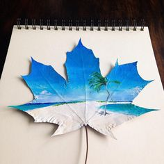 À seulement 16 ans, grâce à de la peinture et des feuilles d'arbres, elle a inventé un art dont personne ne soupçonnait l'existence ! Feather Painting, Feather Art, Acrylic Painting Tutorials, Acrylic Art, Flyer Design Inspiration, Leaf Crafts, Painted Leaves, Creative Artwork, Galaxy Art