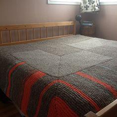 Ravelry: Knitted Garter Stitch Blanket in Sheepsdown pattern by Elizabeth Zimmermann