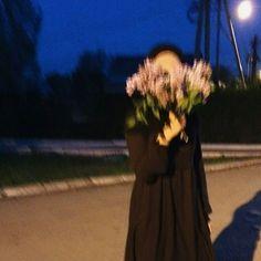 Gece olur gündüz olur ama yinede eskisi gibi olmam.. 🍃 Casual Hijab Outfit, Hijab Chic, Hijabi Girl, Girl Hijab, Muslim Girls, Muslim Couples, Aesthetic Photo, Aesthetic Pictures, Beautiful Hijab Girl