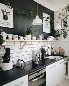 #Küche #schwarz #weiß #einrichten #blackandwhite #Kitchen #Interior