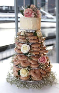Wedding Ideas Cake Donut Tower Ideas For 2019 Donut Wedding Cake, Wedding Donuts, Wedding Desserts, Wedding Decorations, Krispy Kreme Wedding Cake, Krispy Kreme Donut Cake, Cake Topper Wedding, Small Wedding Cakes, Donut Tower
