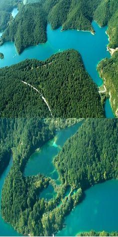 The Beauty Of Plitvice Lakes National Park, Croatia (VIDEO) #Nature #Place #Travel #Croatia #Amazing