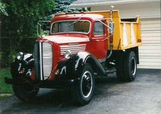 History of American Commercial Vehicles