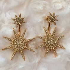 2PAIR SPARKLE BURST EARRINGS Sparkle tonight! Two pair of earrings. Against a gold backing. Beautiful!!✨- No trades Jewelry Earrings