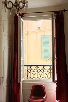 Charming Apartment with a sea view for rent In Old Nice. The apartment lies in a charming old building in Nice in the heart of the Old Town, two minutes from the beach and just off the flower market. It is filled with french charming details and decoration. #interior #france #Nice #oldtown #seaview #decor #chandelier #WallPainting #antique #french #vieuxnice #travel #visitfrance #FrenchRiviera #riviera #CotedAzur #CoursSaleya French Apartment, Visit France, Nice France, Cool Apartments, Old Building, Flower Market, Old Town, Old Things, Chandelier