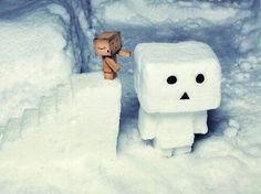 Snow Danbo, how cute Danbo, Crazy Robot, Cardboard Robot, Box Robot, Amazon Box, Cute Box, Merry Christmas To You, Build A Snowman, Little Boxes