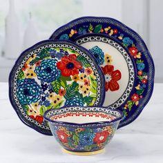 Pioneer Woman Dishes, Pioneer Woman Kitchen, Pioneer Women, Granada, Dinnerware Sets Walmart, Casual Dinnerware, Farmhouse Dinnerware Sets, Dinnerware Ideas, Stoneware Dinnerware
