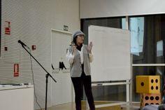 Mi compañera Ana Leon metida en su papel. Rienda suelta a la creatividad!