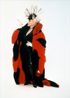 """"""" Glenn Close in two of my absolute favorite costumes of all time, portraying Cruella De Vil in the 2000 Disney film Dalmations"""". costumes were created by Anthony Powell """" Movie Costumes, Cool Costumes, Halloween Costumes, Halloween 2019, Costume Ideas, Cruella Deville, Glenn Close, Live Action, Cruella Costume"""