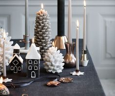 Have you given much thought to your Christmas table decorations? We've got 5 simple yet effective Christmas table setting ideas! Check out these modern. Christmas Table Settings, Christmas Table Decorations, All Things Christmas, Christmas Ideas, Dinner Table, Candle Sconces, Wall Lights, Entertaining, Candles