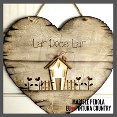 Arte Pallet, Welcome Signs Front Door, Wooden Cutouts, Diy Crafts Hacks, Country Paintings, Heart Decorations, Wooden Hearts, Craft Fairs, Painting On Wood