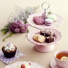 Pink cake plate
