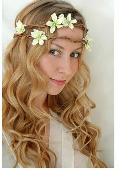Earthy wedding hairstyle ideas pictures.PNG