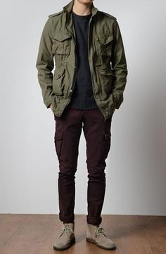 Green Field Jacket, Black Tee and Jeans, and Taupe Desert Boots.Olive Green Field Jacket, Black Tee and Jeans, and Taupe Desert Boots. Rugged Style, Style Men, Men's Style, Cool Jackets For Men, Style Brut, Look Man, Mode Masculine, Mens Fall, Desert Boots