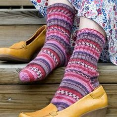 Villasukat - Käsityöohjeet | Lankava.fi Slippers, Socks, Change, Wool, Tricot, Slipper, Sock, Stockings, Ankle Socks