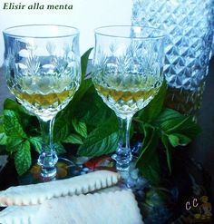 Elisir alla menta Limoncello, Alcoholic Drinks, Cocktails, White Wine, Homemade, Tableware, Granite, Food, Syrup