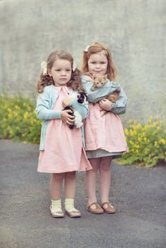 Twinning with girls outfits from MeMini Great Photos, Baby Photos, Twins, Girl Outfits, Flower Girl Dresses, Cottage, Wedding Dresses, Girls, Photography
