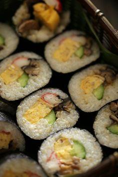 Makizushi, Japanese Sushi Rolls 巻き寿司