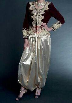 """""""Karakou"""", veste traditionnelle d'Algérie, brodée de """"fetla""""*, portée avec un """"sarouel"""" moderne / """"Karakou"""", traditional jacket of Algeria, embroidered with """"Fetla""""*, worn with """"sarouel"""" *FETLA : broderie traditionnelle algérienne au fil d'or, née à Annaba, dont la particularité est de percer le velours en un seul point, et de réaliser une infinité d'enchevêtrements avant de revenir au point de départ. Brève histoire de la Fetla : https://www.youtube.com/watch?v=iEBL9ZE67Ss"""